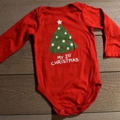 Cache- couche 1er Noel rouge sapin bébé fille