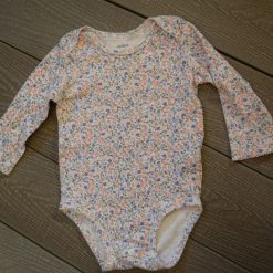 Cache- couche imprimé bébé fille